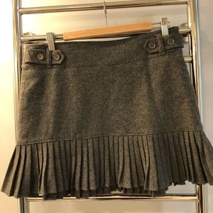 NWT Grey GAP ruffle skirt